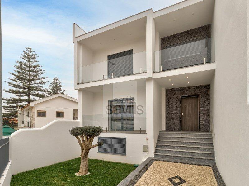 House in Carcavelos, Lisbon, Portugal 1
