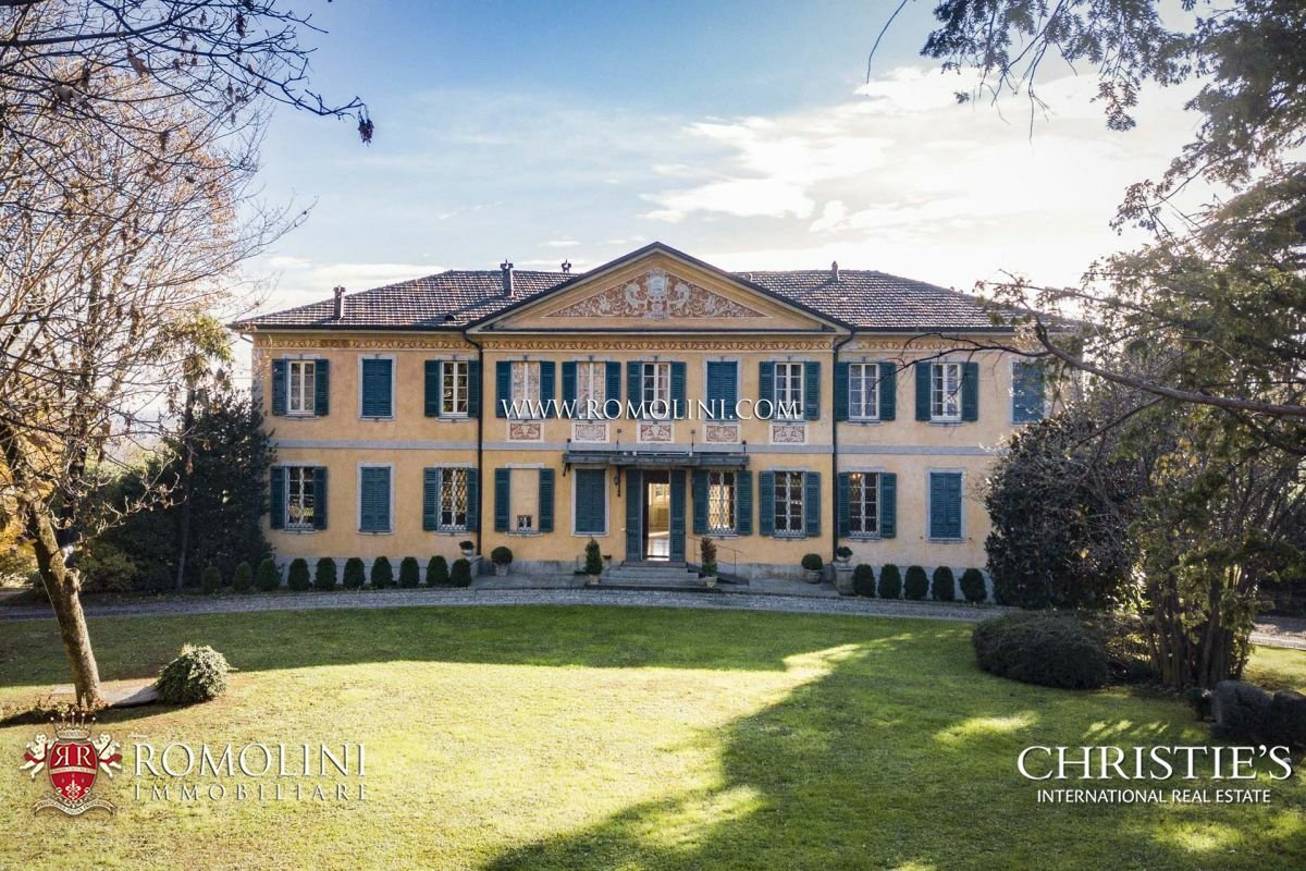 House in Varese, Lombardy, Italy 1 - 11341417