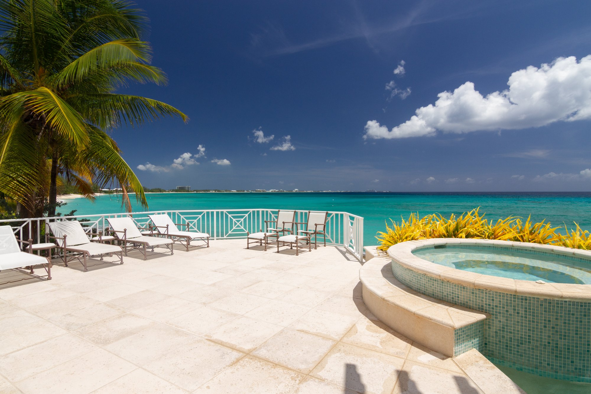House in West Bay, West Bay, Cayman Islands 1 - 1177873