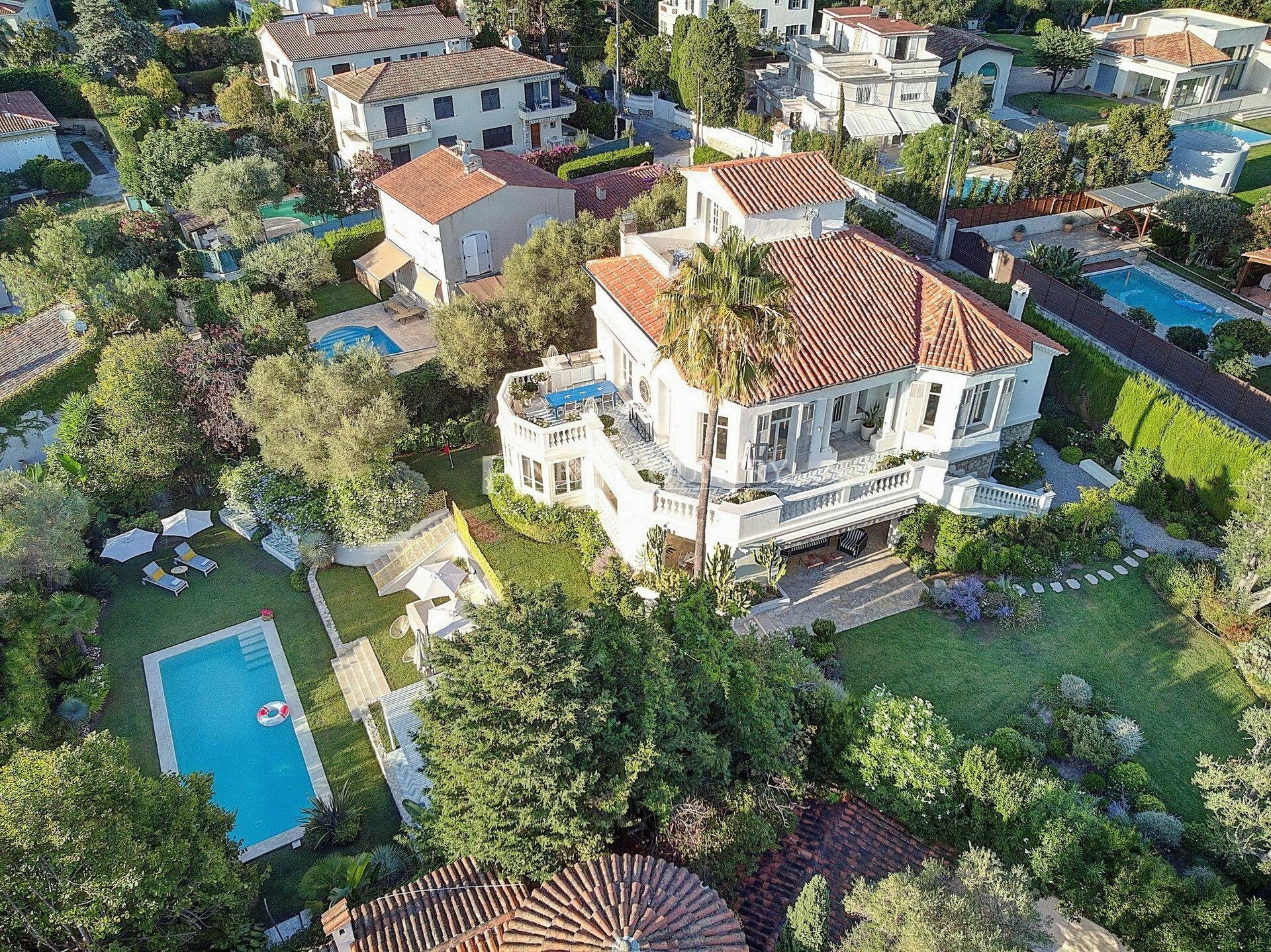 Villa in Antibes, Provence-Alpes-Côte d'Azur, France 1 - 11126933