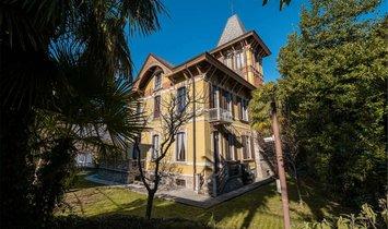 Villa in Varese, Lombardy, Italy 1