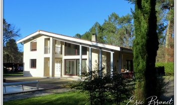 Haus in Salles, Nouvelle-Aquitaine, Frankreich 1