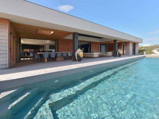 Villa in Saint-Barthélemy, Île-de-France, France 1