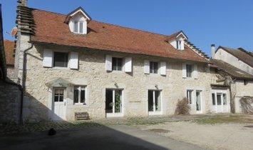 Haus in Peyrieu, Auvergne-Rhône-Alpes, Frankreich 1