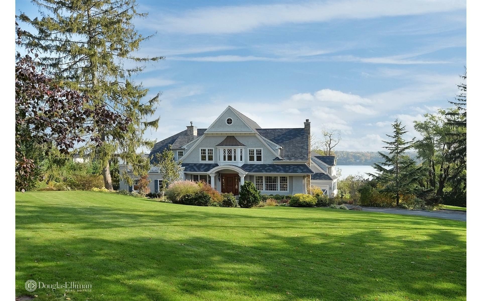 House in Port Washington, New York, United States 1 - 11348245