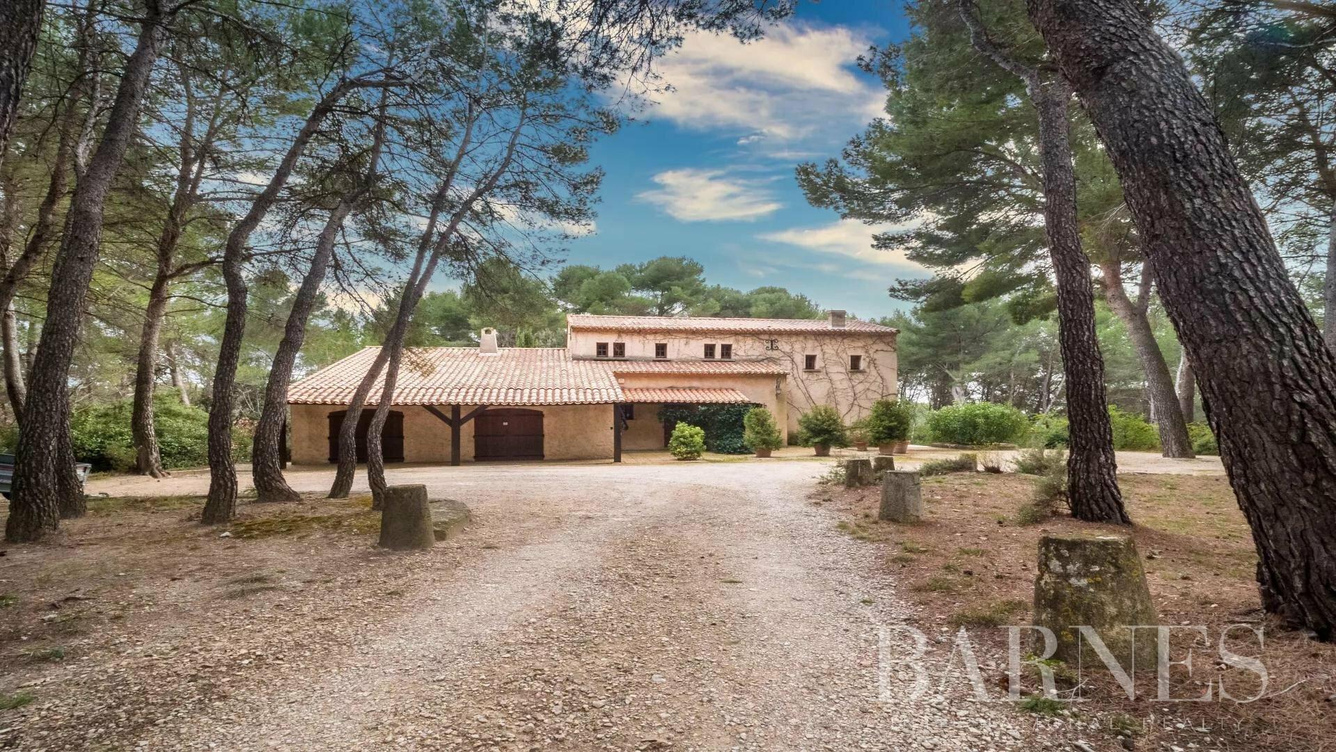 House in Lambesc, Provence-Alpes-Côte d'Azur, France 1