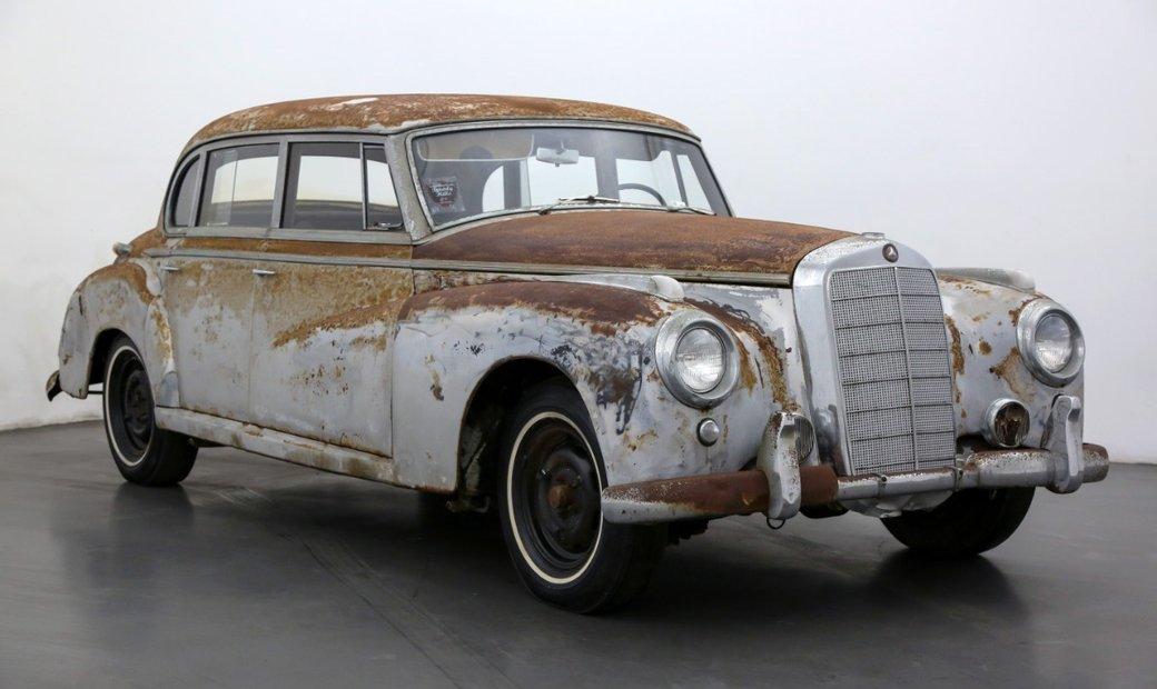 Mercedes-Benz 300B Adenauer