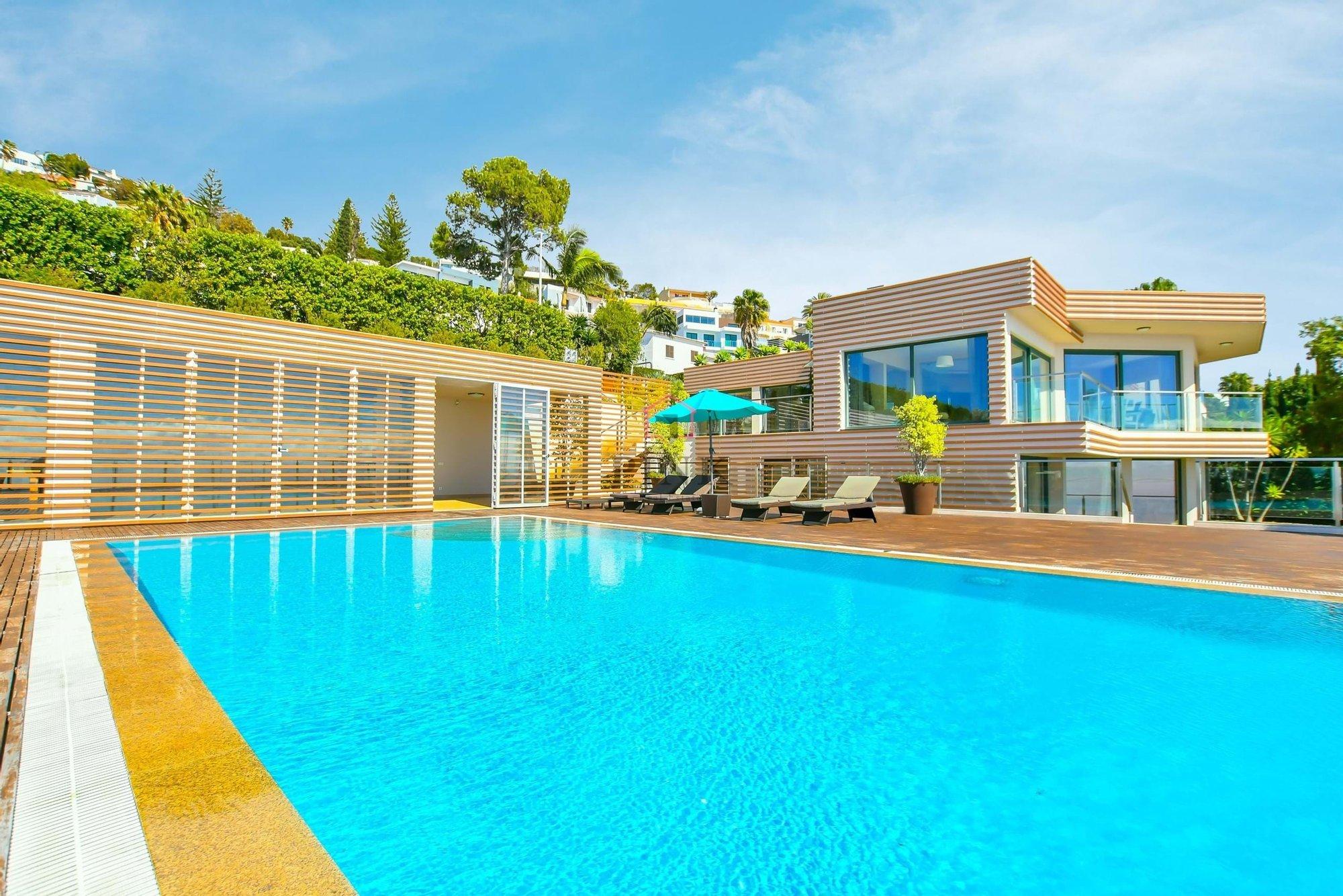 Villa in Caniço, Madeira, Portugal 1