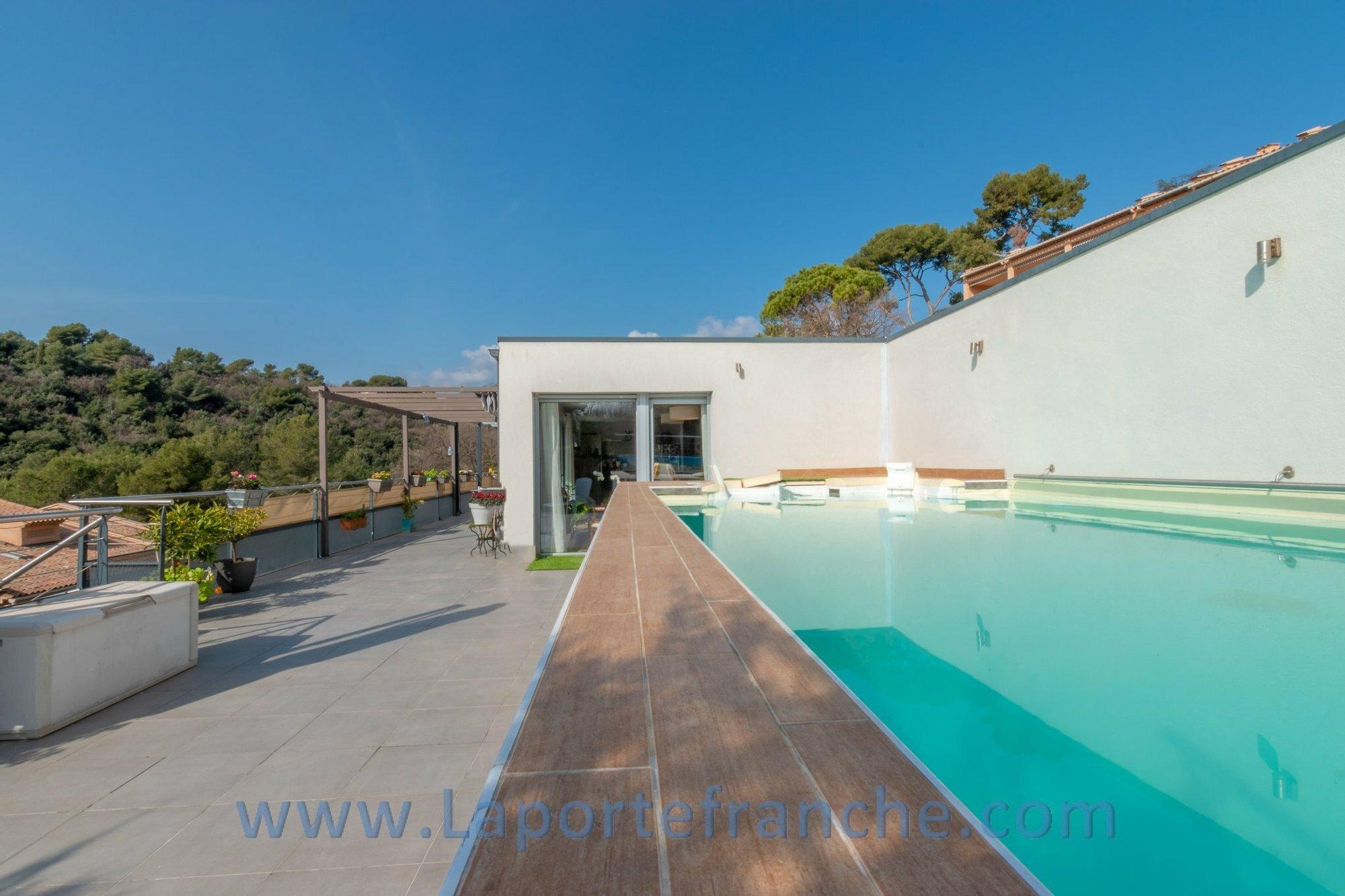 Apartment in Tourrettes-sur-Loup, Provence-Alpes-Côte d'Azur, France 1