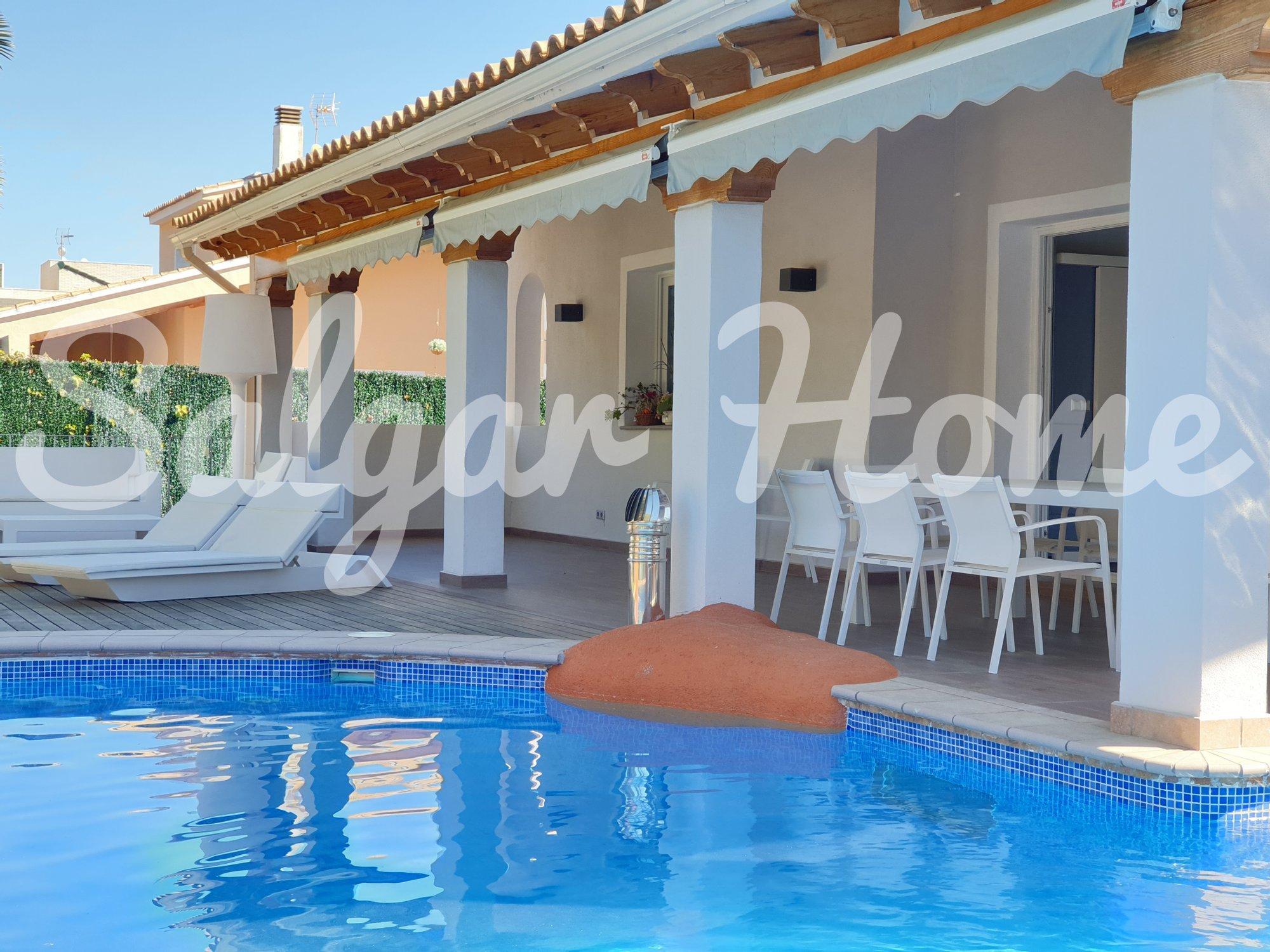 Villa in Benidorm, Valencian Community, Spain 1 - 11367077