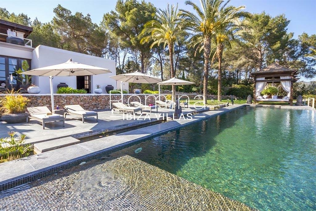 Villa in Sant Carles de Peralta, Balearic Islands, Spain 1 - 11365620