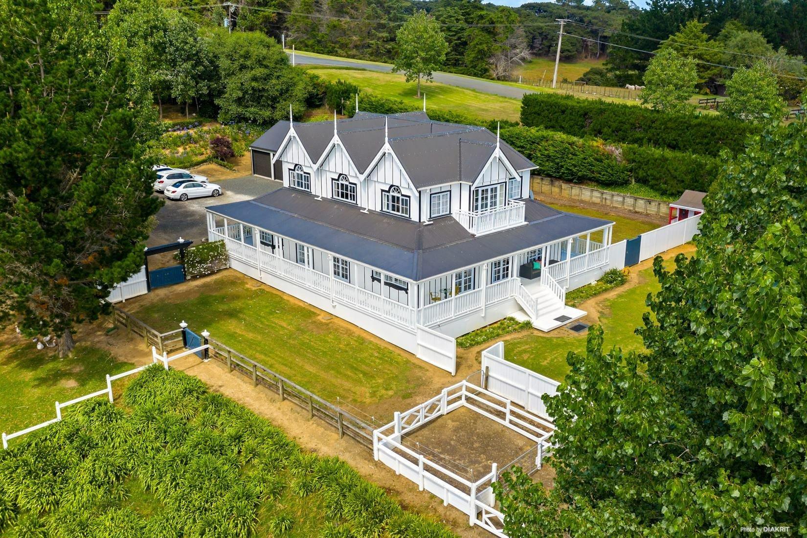 House in Waitoki, Auckland, New Zealand 1