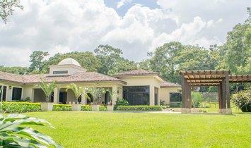 Huis in Escazú District, San José, Costa Rica 1