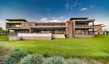 House in Hartbeespoort, North West, South Africa 1