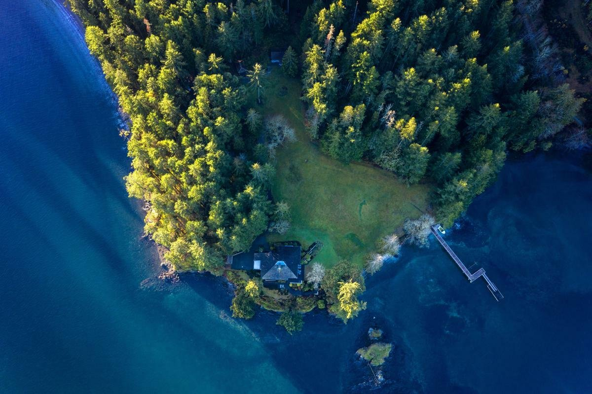 House in North Saanich, British Columbia, Canada 1