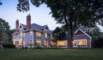 House in Oshkosh, Wisconsin, United States 1