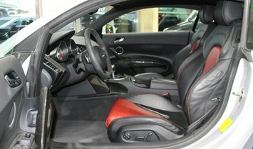 AUDI R8 Coupe 5.2 FSI V10 quattro CARBON