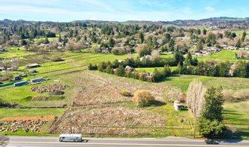 Land in Sebastopol, California, United States 1
