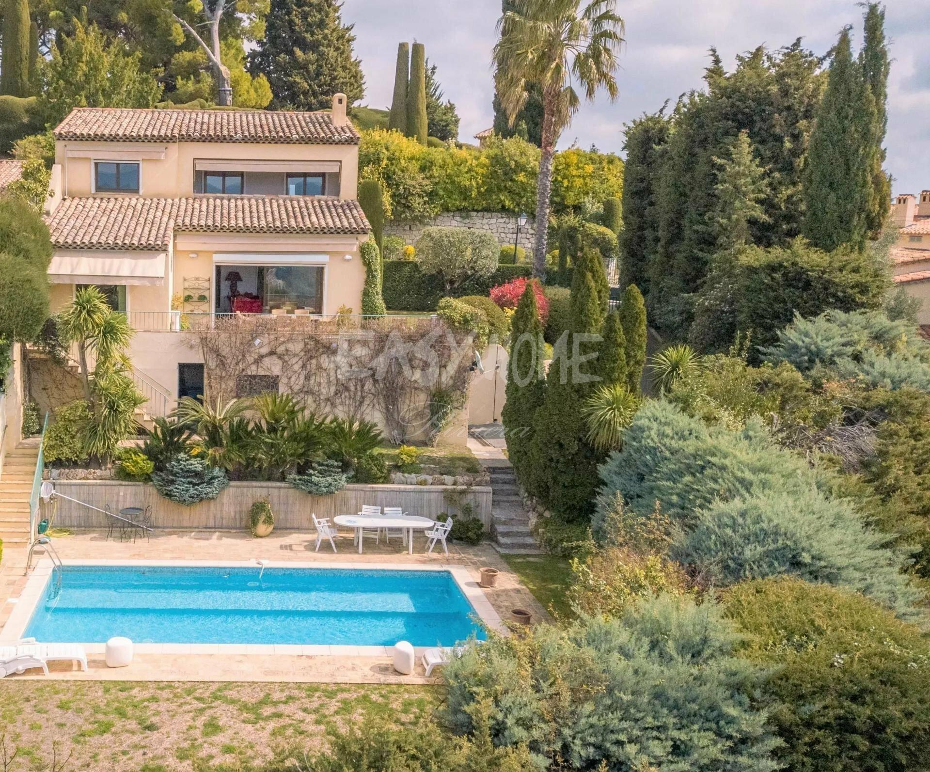 Villa in Mougins, Provence-Alpes-Côte d'Azur, France 1 - 11297493