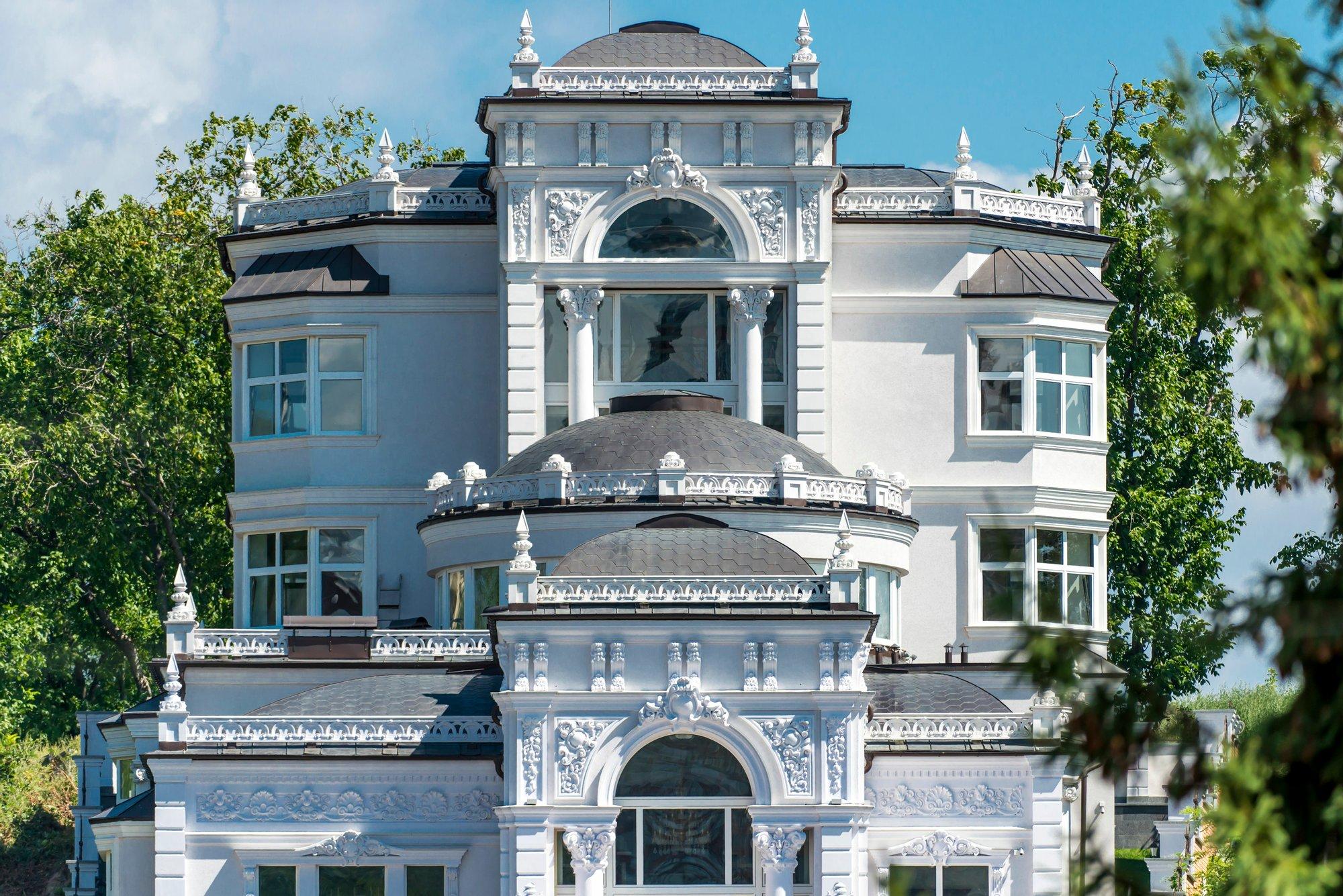 House in Pechers'kyi district, Ukraine 1