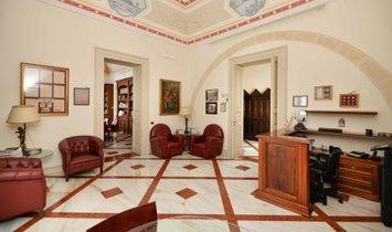 Wohnung in Lecce, Apulien, Italien 1