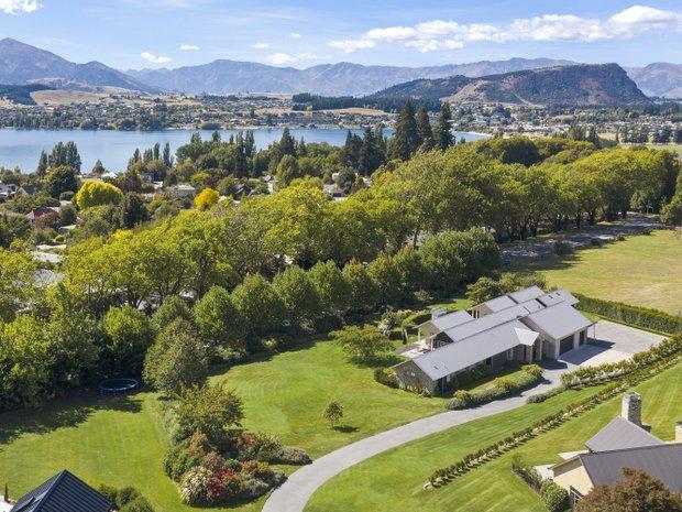 House in Wanaka, Otago, New Zealand 1