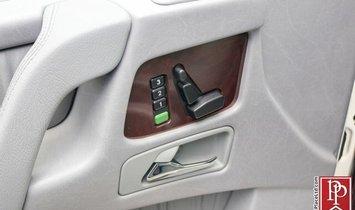 Mercedes-Benz G-Class G550