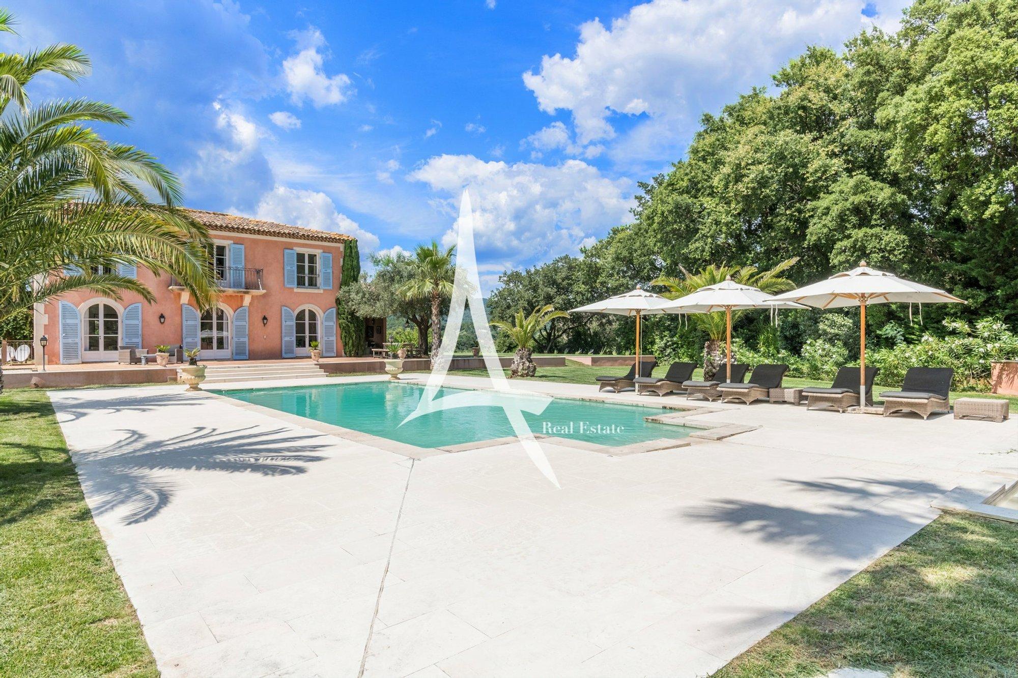 Castle in Grimaud, Provence-Alpes-Côte d'Azur, France 1