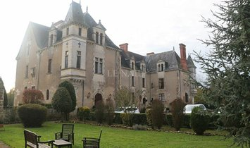 Castle in La Roche-sur-Yon, Pays de la Loire, France 1