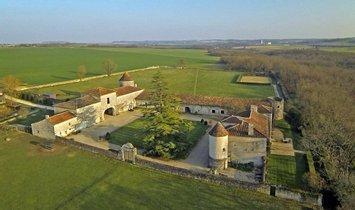 Castle in Angoulême, Nouvelle-Aquitaine, France 1