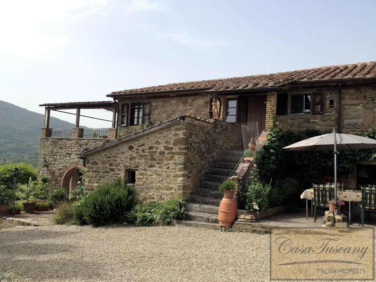 House in Lisciano Niccone, Umbria, Italy 1