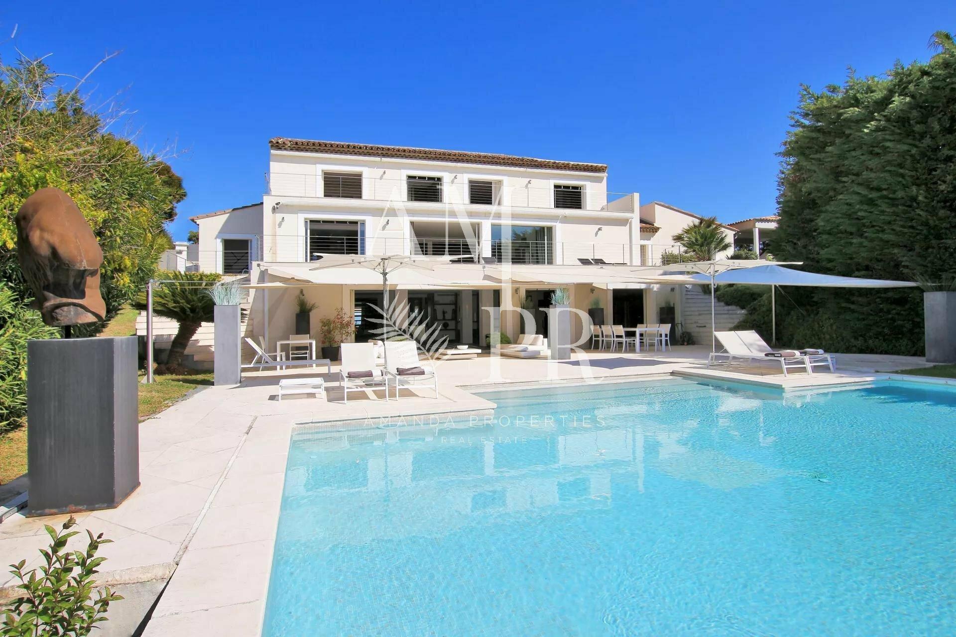 Villa in Cannes, Provence-Alpes-Côte d'Azur, France 1 - 10877593