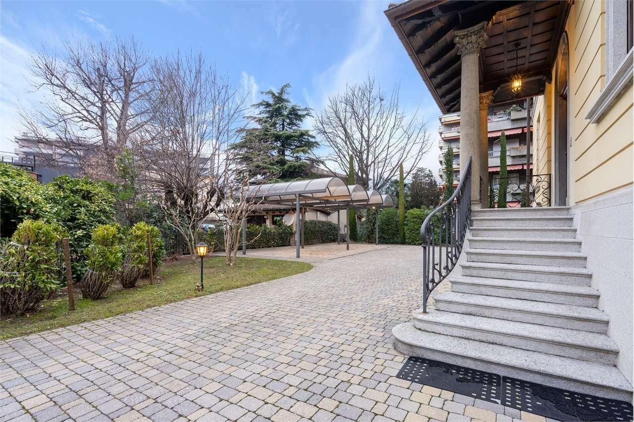 Villa in Chiasso, Ticino, Switzerland 1 - 11384616
