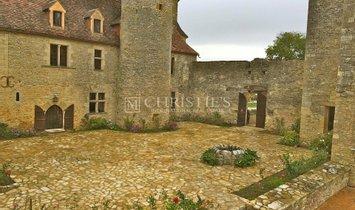 House in Gourdon, Occitanie, France 1