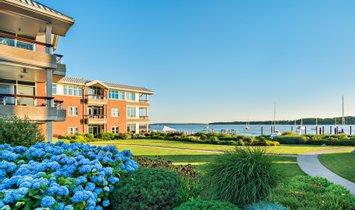 Condo in Bristol, Rhode Island, United States 1