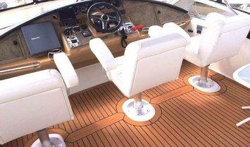 Carver 360 Sport Sedan