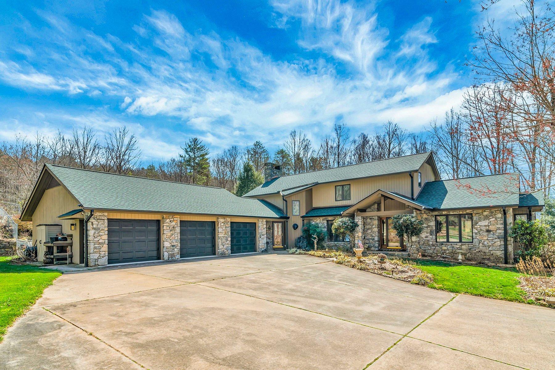 House in Black Mountain, North Carolina, United States 1 - 11389442
