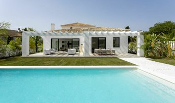 Villa in San Pedro de Alcántara, Andalusia, Spain 1