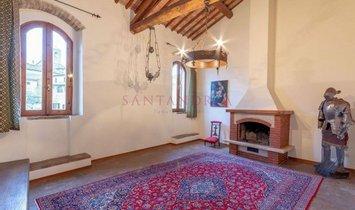 House in San Gimignano, Tuscany, Italy 1