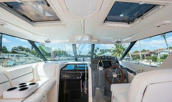 Tiara Yachts 3600 Sovran
