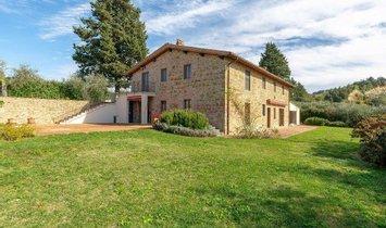 Villa in Certaldo, Tuscany, Italy 1