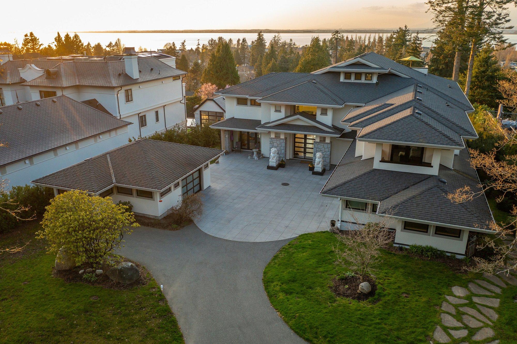 House in Surrey, British Columbia, Canada 1 - 11394444