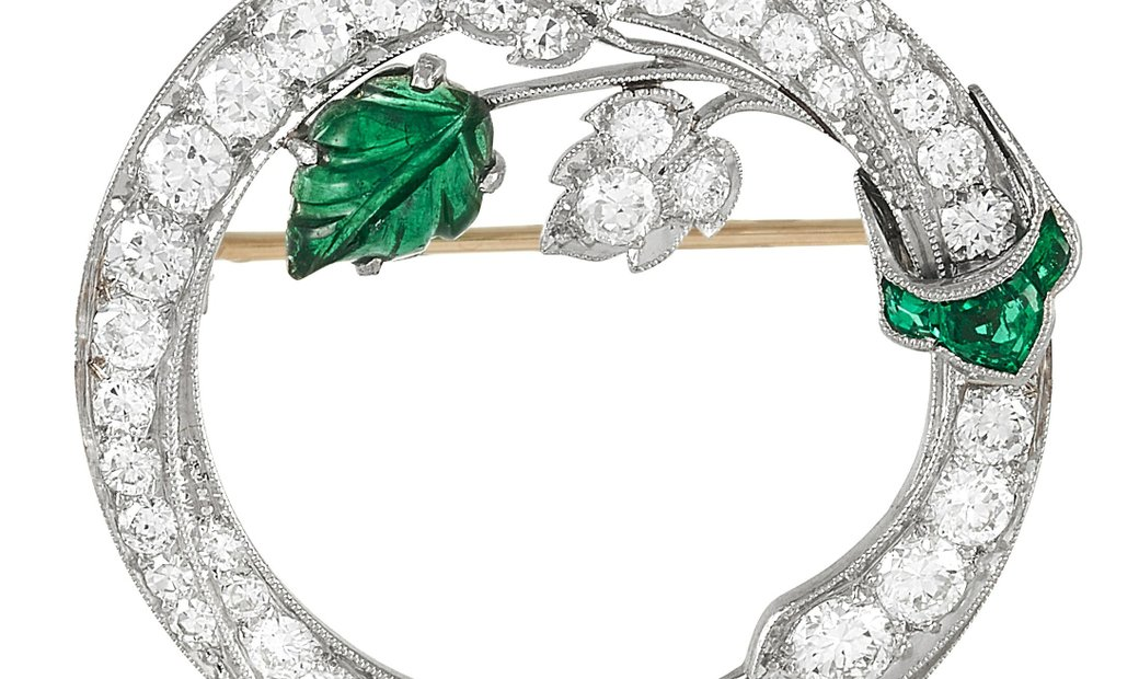 LB Exclusive LB Exclusive Art Deco Platinum 1.85 ct Diamond and Carved Emerald Wreath Brooch