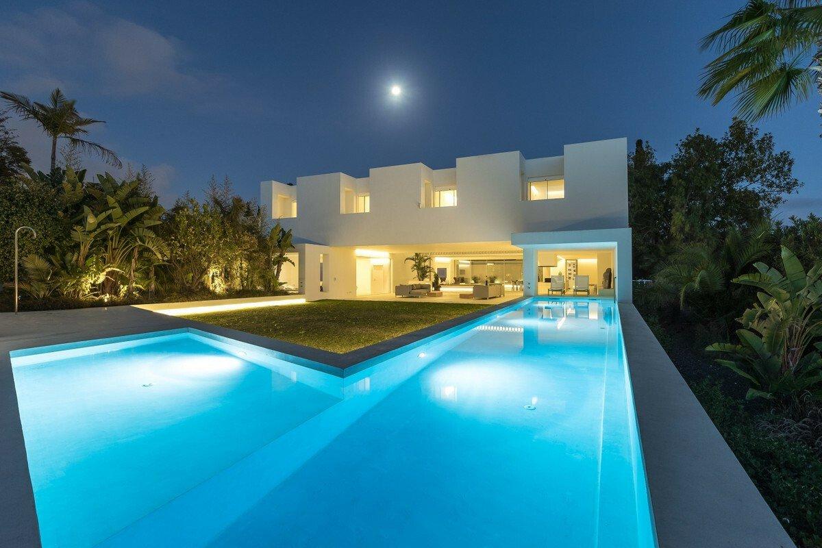 Villa in Marbella, Andalusia, Spain 1 - 11394659