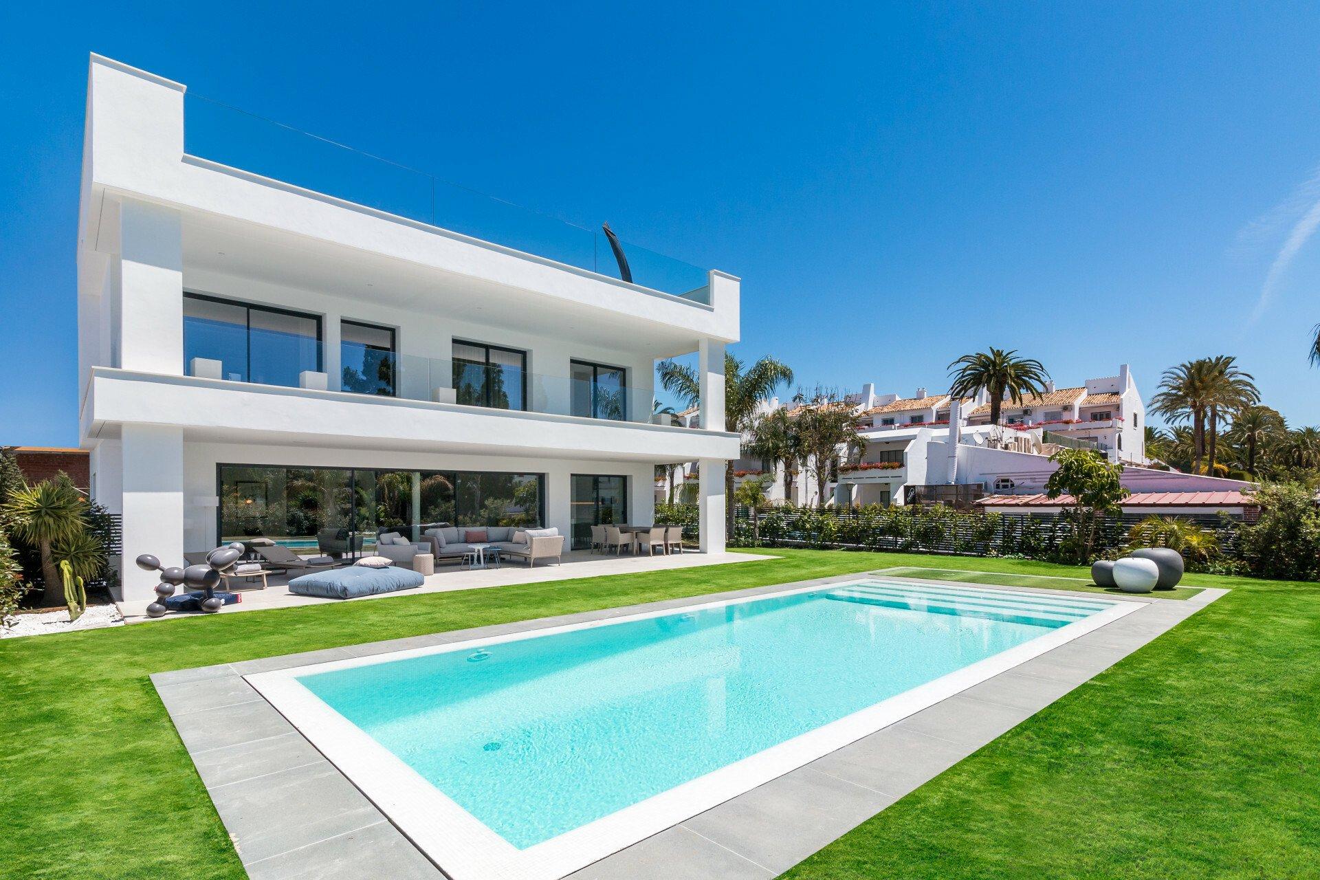 Villa in Marbella, Andalusia, Spain 1 - 11394838