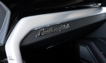 Lamborghini Urus -URUS