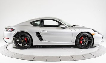 Porsche 718 Cayman S Coupe