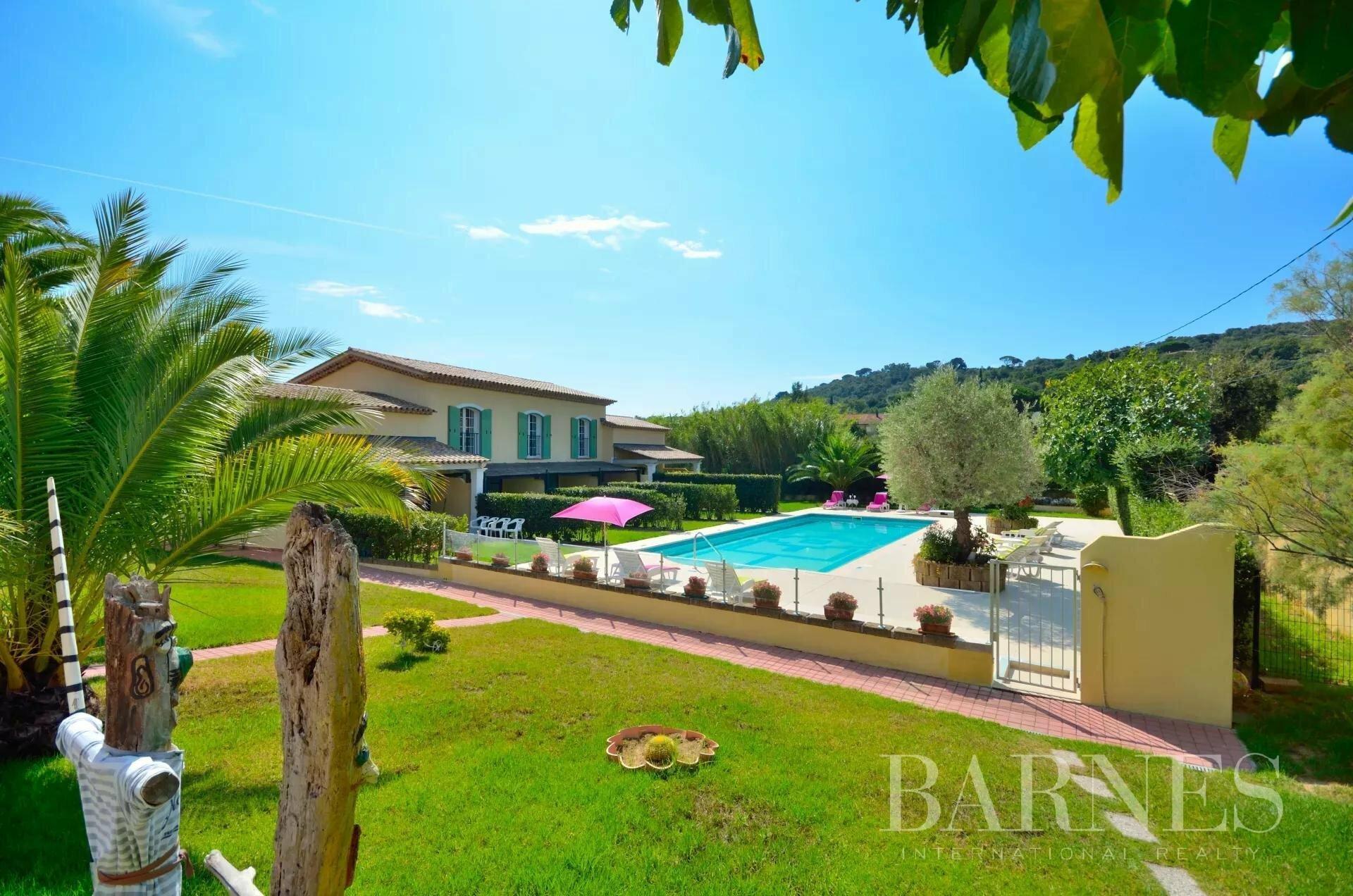 Villa in Saint-Tropez, Provence-Alpes-Côte d'Azur, France 1 - 11397843