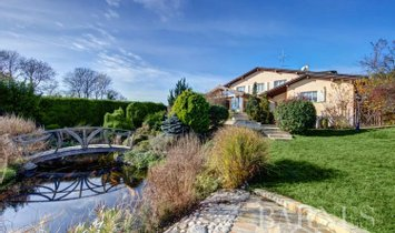 Villa in Divonne-les-Bains, Auvergne-Rhône-Alpes, France 1