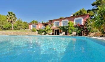 House in La Cadière-d'Azur, Provence-Alpes-Côte d'Azur, France 1